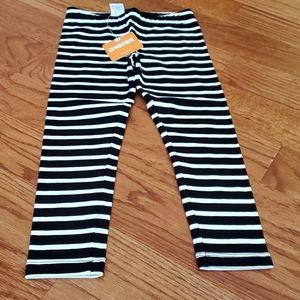 Girls black & white stripe leggings